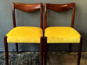 Αναπαλεωμένες Mid Century Καρέκλες Τραπεζαρίας, Σετ των 2.