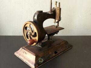 Προπολεμική Πολύ Μικρή (21cm) Σιδερένια Ραπτομηχανή