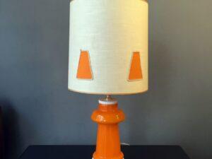 Υπέροχο, Vintage, Επιτραπέζιο Φωτιστικό Με Πορτοκαλί Γυάλινο Σώμα