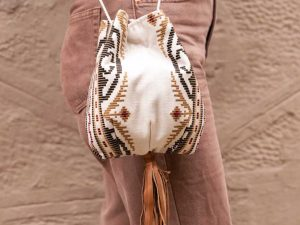 Χειροποίητη Τσάντα Πουγκί Από Γνήσιο Vintage Υφαντό Αργαλειού Με Δερμάτινα Στοιχεία Ref:Pg 2