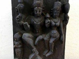 Hindu Vintage Ξυλόγλυπτο Με Τις Μορφές Των Shiva Και Parvati